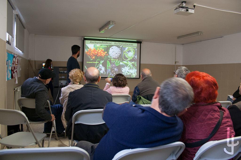 XII Congreso Cheste Cactus y Suculentas.  En una de las conferencias.